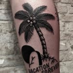 Blackwork Tattoo Vienna Wien Tattoostudio Oldschool traditional Tattoo Vacation forever palmetree Palme Island Insel Grave Grab Tod Urlaub Tattoo