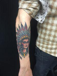 Blackwork Tattoo Vienna Wien Tattoostudio Oldschool traditional Tattoo indian girl woman indianerin american native
